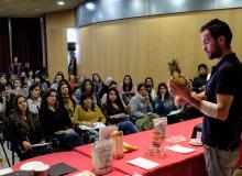 Bio Victor Charla en Congreso Alimentación Consciente batidos veganos peque